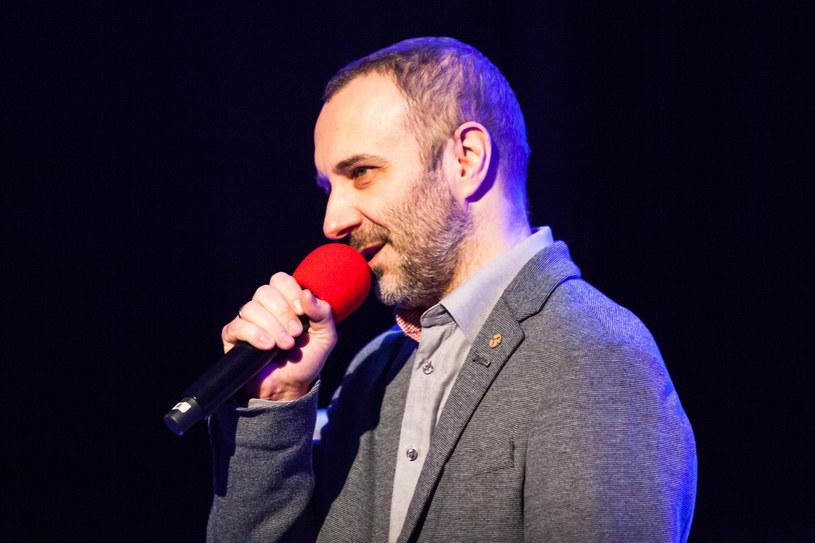 Nowym dyrektorem muzycznym Programu III Polskiego Radia został Mariusz Owczarek, który poprowadzi też specjalne wydanie Listy Przebojów. Nowy dyrektor i redaktor naczelny Kuba Strzyczkowski namówił do powrotu dziennikarzy, którzy w ostatnim czasie ogłosili swoje odejście.