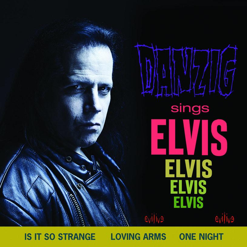 Elvis zszedł siedząc na klopie. Sedesie. Defekując. Generalnie ciężko taką żenadę przebić. Ale tu bez szerszych zapowiedzi, na pełnej, wjeżdża nam Danzig...