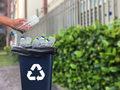Kto płaci, a kto powinien płacić za odpady opakowaniowe?
