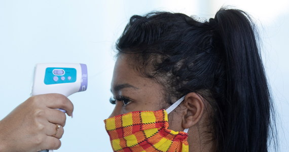 W Brazylii w ciągu ostatniej doby zarejestrowano 26 417 nowych, potwierdzonych przypadków koronawirusa, tym samym liczba zakażonych Covid-19 wzrosła do 438 238 -poinformowało tamtejsze ministerstwo zdrowia.