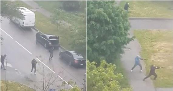 W Browarach pod Kijowem doszło dzisiaj rano do strzelaniny z udziałem około setki ludzi zajmujących się - oficjalnie i nielegalnie - przewozami pasażerskimi. Jak poinformował szef MSW Arsen Awakow: ujęto dotychczas 10 mężczyzn, zbiorowe zatrzymania trwają. W wymianie ognia ranne zostały trzy osoby.