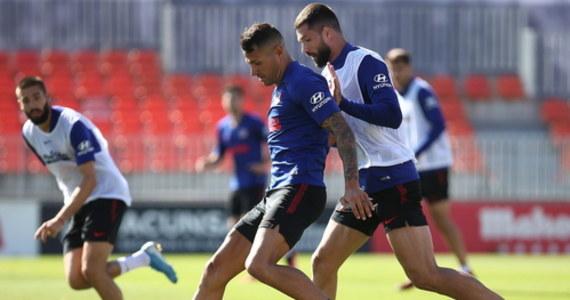 Derbowy mecz Sevilla FC - Betis 11 czerwca wznowi przerwany w marcu z powodu koronawirusa sezon piłkarskiej ekstraklasy Hiszpanii - potwierdził rządowy departament sportu (CSD). Wcześniej taki termin wymienił Javier Tebas, szef zarządzającej rozgrywkami La Ligi.