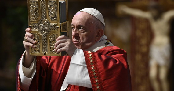 """Pandemia jest także wyzwaniem dla misji Kościoła - napisał papież Franciszek w ogłoszonym w niedzielę orędziu na 94. Światowy Dzień Misyjny, który będzie obchodzony 18 października. Podkreślił: """"wszyscy pragniemy życia i wyzwolenia od zła""""."""