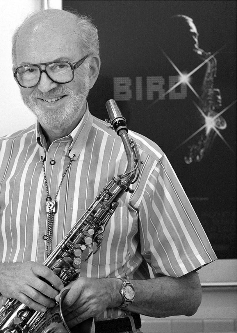 W czwartek, 28 maja, w domu swojej córki w Redlands w stanie Kalifornia zmarł saksofonista, aranżer oraz kompozytor muzyki jazzowej Lennie Niehaus. Miał 90 lat. Utwory tego muzyka, którego kariera trwała blisko 6 dekad, znają nie tylko miłośnicy jazzu, ale też kinomani, bo Niehaus był stałym współpracownikiem Clinta Eastwooda.
