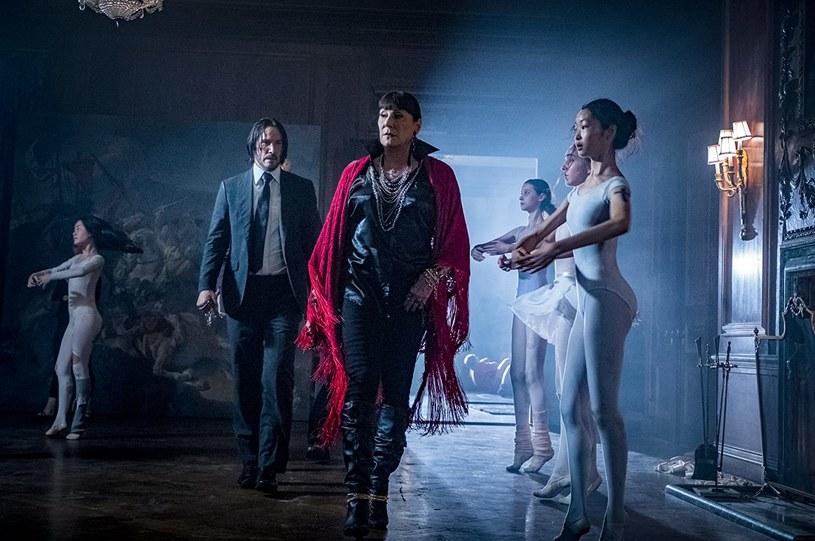 """Trzy części sensacyjnego cyklu """"John Wick"""", dzięki któremu na gwiazdorski Olimp wrócił Keanu Reeves, to nie koniec. Oprócz czwartej odsłony serii powstanie też spin-off, którego główną bohaterką będzie kobieta. Film nosił będzie tytuł """"Ballerina""""."""