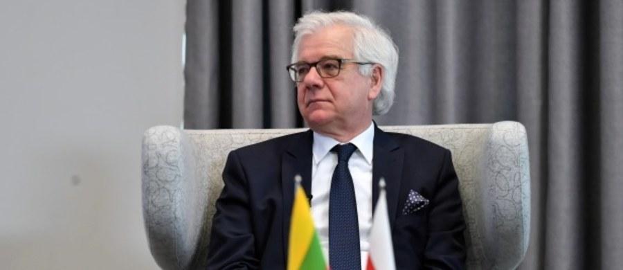 """""""Jesteśmy uznawani za bezpieczne państwa i jest kwestią dni, może tygodni, aż będziemy bardziej otwierali nasze kraje i będziemy szukać również bliższych kontaktów między naszymi społeczeństwami"""" – oświadczył polski minister spraw zagranicznych Jacek Czaputowicz po spotkaniu z szefami dyplomacji Estonii, Litwy i Łotwy. """"Nasze strategie były dobre i teraz jesteśmy w lepszej sytuacji niż inne kraje Europy"""" - mówił."""