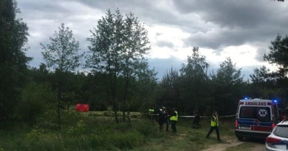 Tragiczny finał poszukiwań 4-letniego Marka. Chłopiec koło południa zaginął w miejscowości Burzec w pobliżu Łukowa w woj. lubelskim. Jak potwierdziła nam policja, ciało dziecka wyłowiono ze stawu kilkaset metrów od miejsca, gdzie mieszkał.