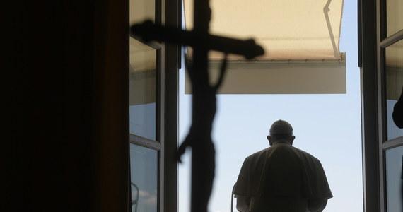 Franciszek, zwracając się do wiernych w Stanach Zjednoczonych, powiedział, że nie można tolerować rasizmu i jednocześnie twierdzić, że broni się świętości życia. Nawiązując do zamieszek w USA podkreślił, że przemocą niczego się nie osiągnie.