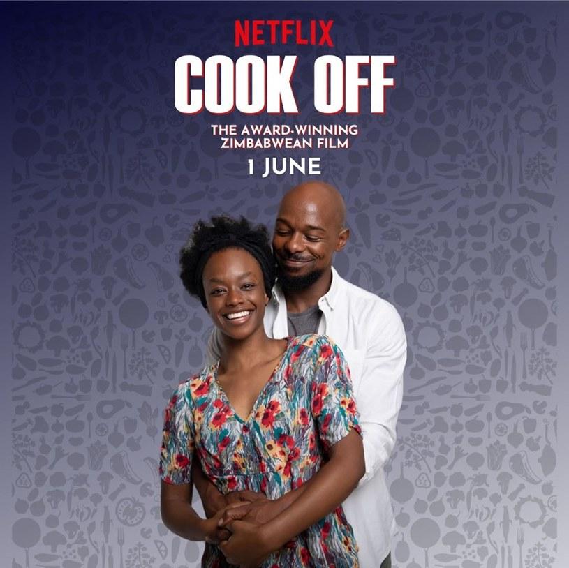 """Komedia romantyczna """"Cook Off"""" opowiada o samotnej matce, która ledwo wiąże koniec z końcem i nie ma ani sił, ani czasu, by zająć się swoją pasją - gotowaniem. Zmienia się to w momencie, gdy jej syn i babcia zapisują ją na konkurs gotowania. Produkcja tego filmu kosztowała 8 tys. dolarów, a twórcy i aktorzy zgodzili się zagrać za obietnicę wypłaty honorariów w przyszłości. """"Cook Off"""" można od czerwca oglądać na Netfliksie."""