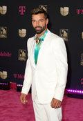 """Ricky Martin i EP-ka """"Pausa"""". Wśród gości m.in. Sting i Bad Bunny"""