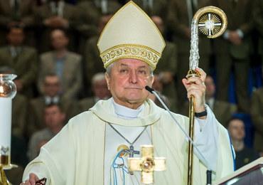 Biskup Janiak uważa, że jest ofiarą medialnej nagonki. Napisał list do wiernych