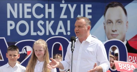 Nasz plan to podniesienie jakości życia Polaków - mówił prezydent Andrzej Duda podczas spotkania z mieszkańcami miejscowości Gózd na Mazowszu. Ocenił, że przez ostatnie pięć lat nastąpiły w Polsce zmiany na lepsze.