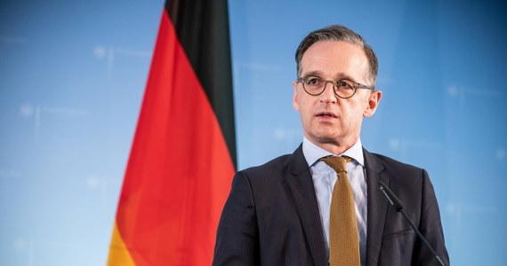 Niemcy i USA są bliskimi partnerami w sojuszu transatlantyckim, ale relacje obu krajów są skomplikowane - ocenił szef MSZ Niemiec Heiko Maas w niedzielę, komentując medialne doniesienia, że Stany Zjednoczone zamierzają wycofać z RFN część swoich wojsk.