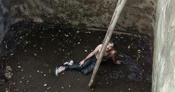 Brytyjczyk, który wpadł do studni na indonezyjskiej wyspie Bali, został z niej wyciągnięty po sześciu dniach. Sam nie mógł się z niej wydostać, ponieważ spadając złamał nogę. Przeżył, bo choć studnia była opróżniona, na dnie została resztka wody.