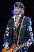 Johnny Depp śpiewa Dylana w hołdzie George'owi Floydowi