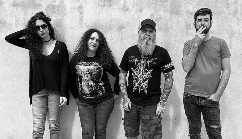 Hiszpańska grupa Bisonte zarejestrowała pierwszą płytę.