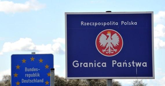W nocy z piątku na sobotę - czyli z 12 na 13 czerwca - Polska zniesie kontrole na wewnętrznych granicach Unii Europejskiej dla mieszkańców strefy Schengen - dowiedziała się nieoficjalnie w Komisji Europejskiej korespondentka RMF FM w Brukseli Katarzyna Szymańska-Borginon.