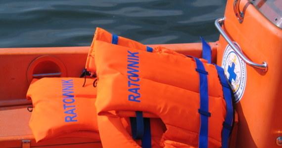 62-letni mężczyzna utonął w Zatoce Gdańskiej na wysokości plaży w Sztutowie. Mimo szybkiej akcji ratowniczej mężczyzny nie udało się uratować.