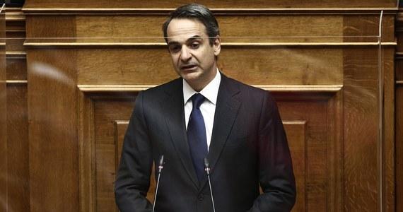 Grecja jest gotowa na powitanie turystów - powiedział w sobotę premier Kyriakos Micotakis podczas wizyty na popularnej wśród urlopowiczów wyspie Santorini. W poniedziałek zostaną wznowione loty międzynarodowe do i z głównych lotnisk w kraju.