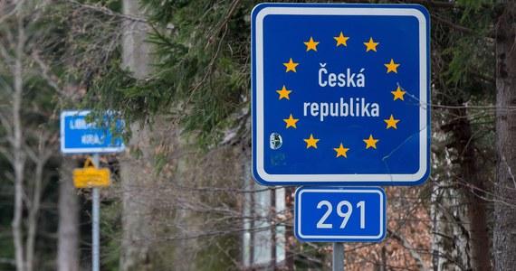 Kongres Polaków w Republice Czeskiej zaapelował do premiera Czech Andreja Babisz o ponowne przeanalizowanie decyzji o utrzymaniu po 15 czerwca zamkniętych granic z województwem śląskim. W innych rejonach granicę polsko-czeską będzie można przekraczać bez ograniczeń.