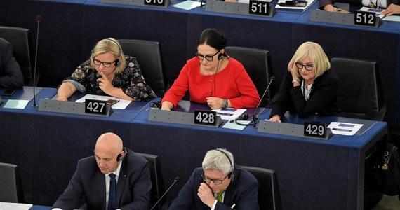 PiS chce, by raport PE Juana Fernando Lópeza Aguilara na temat praworządności w Polsce zamiast krytykować, wręcz chwalił polskie władze. Pozostałe frakcje PE chcą natomiast jeszcze bardziej zaostrzyć wymowę dokumentu.