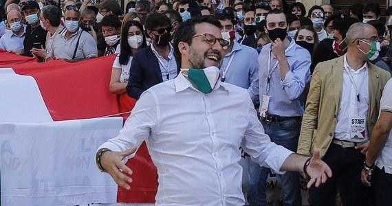 Lider włoskiej opozycji Matteo Salvini z prawicowej Ligi zarzucił premierowi Giuseppe Contemu, że uważa kraje Grupy Wyszehradzkiej za źródło problemów w UE. Tak zareagował na apel Contego do opozycji, by pomogła przekonać V4 do planu funduszu ratunkowego UE.