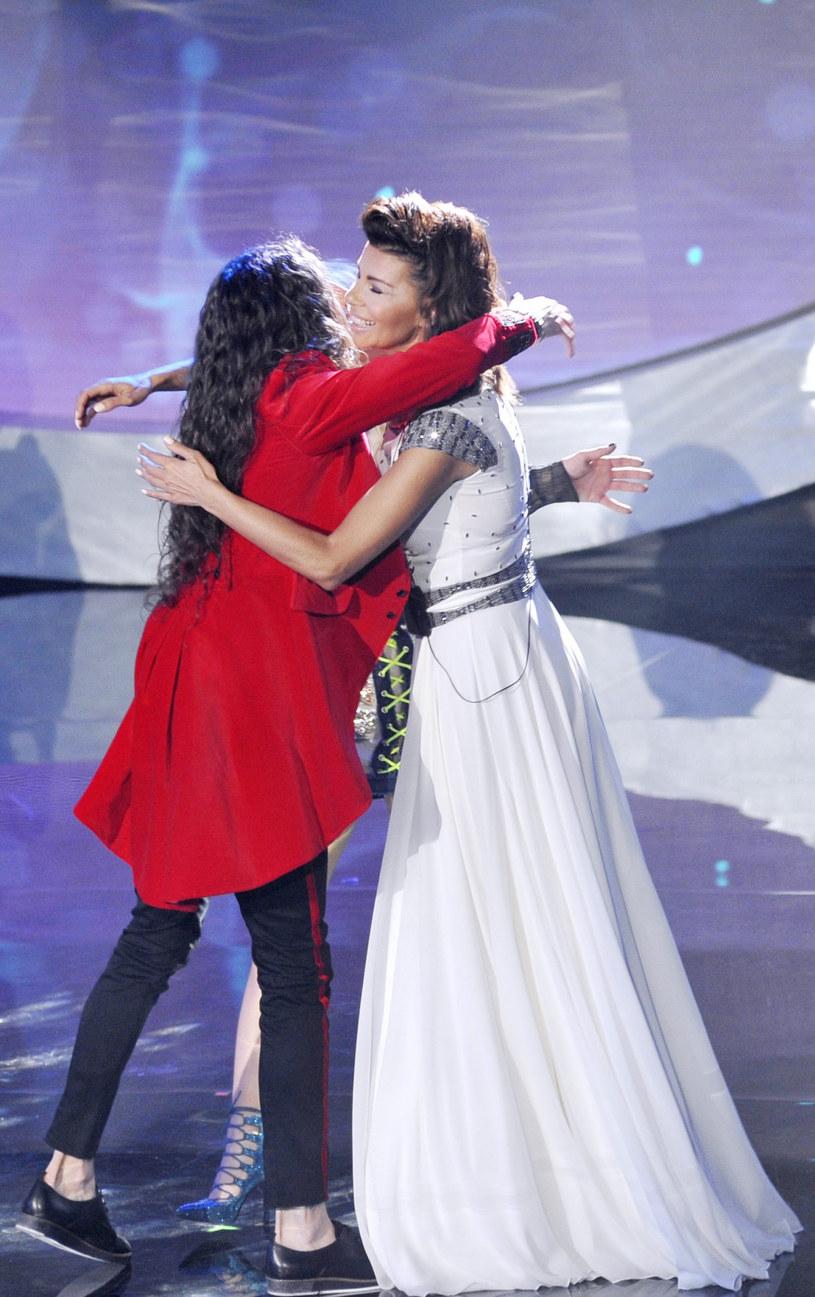 """Przymierzająca się do powrotu na fotel trenera """"The Voice of Poland"""" Edyta Górniak komplementuje Michała Szpaka."""
