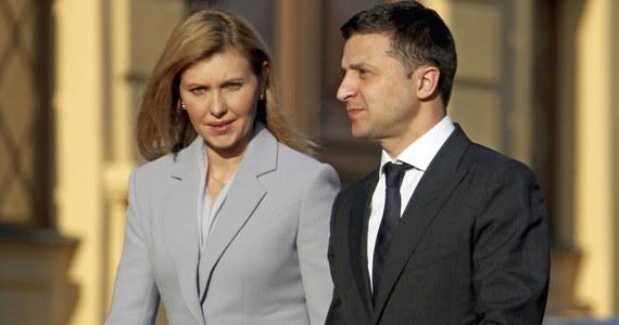 Pierwsza dama Ukrainy Ołena Zełenska, u której zdiagnozowano Covid-19, trafiła do szpitala w Kijowie - poinformowało we wtorek biuro prezydenta tego kraju. Zapewniono, że jej stan jest stabilny.