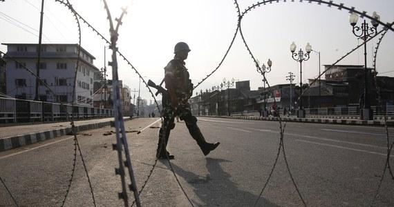Trzech indyjskich żołnierzy zginęło w starciach przy granicy z Chinami - podały władze w New Delhi. Armie starają się teraz deeskalować konflikt.