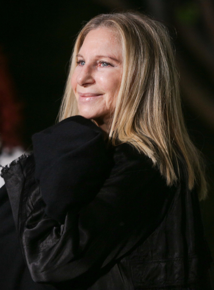 Gianna Floyd, córka czarnoskórego mężczyzny, którego śmierć wywołała falę protestów i zamieszek w Stanach Zjednoczonych, jest teraz udziałowcem wytwórni Disneya. Nie wiadomo, jak duży jest pakiet akcji, który dziewczynka dostała od Barbry Streisand. Wiadomo za to, że nie był to jedyny prezent, jaki podarowała jej słynna piosenkarka.