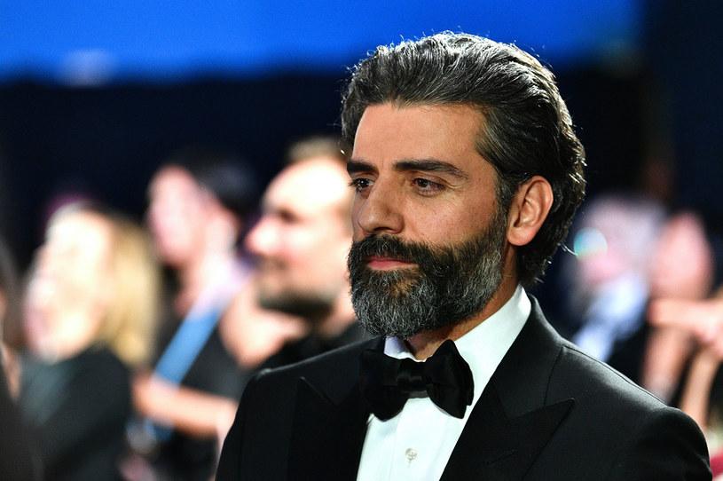 """Kolejnym filmem, w jakim wystąpi Oscar Isaac będzie """"London"""" - produkcja oparta na motywach opowiadania autorstwa jednego z najpopularniejszych skandynawskich twórców kryminałów Jo Nesbo. Film wyreżyseruje Ben Stiller, a scenariusz napisze Eric Roth, pięciokrotnie nominowany do Oscara scenarzysta takich filmów, jak """"Forrest Gump"""" czy ostatnio """"Narodziny gwiazdy""""."""