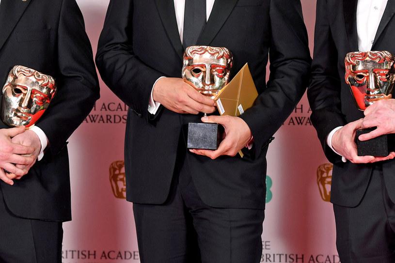 W poniedziałek, 15 czerwca, Amerykańska Akademia Sztuki i Wiedzy Filmowej postanowiła o dwa miesiące przełożyć datę ceremonii rozdania Oscarów. Teraz na podobny krok zdecydowali się członkowie Brytyjskiej Akademii Sztuk Filmowych i Telewizyjnych. Przyznawane przez nich nagrody BAFTA zostaną wręczone dwa miesiące później niż pierwotnie zakładano.