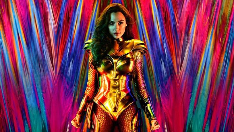 Pandemia COVID-19 sprawiła, że na początku maja odwołany został tegoroczny Comic-Con w San Diego. To największe święto fanów komiksu przeniosło się do Internetu i będzie miało formę wirtualną. Najprawdopodobniej nie pojawią się na nim komiksowe produkcje DC Comics. Powodem tej nieobecności będzie wydarzenie, które rozpocznie się 22 sierpnia tego roku. Zorganizowany przez Warner Bros. wirtualny DC FanDome.