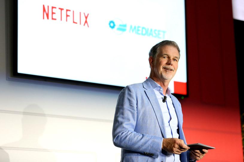 Netflix przekaże pięć milionów dolarów na wsparcie czarnoskórych twórców. Decyzja w tej sprawie została ogłoszona przez prezesa streamingowego giganta, Reeda Hastingsa. Celem firmy jest stworzenie długoterminowego programu, który będzie szansą dla czarnoskórych twórców kina. Przekazane na ten cel pieniądze trafią w ręce reżyserów, scenarzystów, aktorów, ale też właścicieli firm związanych z tworzeniem filmów oraz innych ambitnych młodych ludzi.