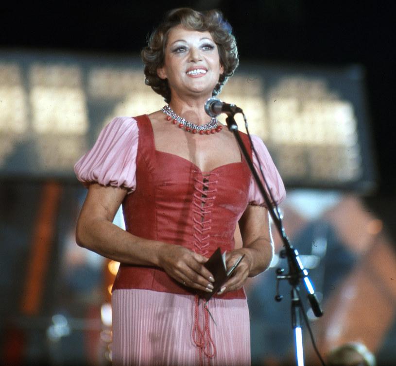 Gdyby żyła, w sobotę, 20 czerwca, Irena Dziedzic świętowałaby 95. urodziny. Legenda polskiej telewizji zmarła jednak w 2018 roku. Okoliczności jej śmierci przez długi czas budziły jednak wiele wątpliwości.