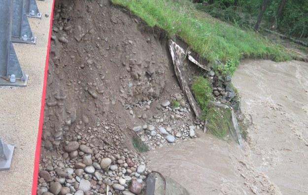 Rosną poziomy wód na rzekach w Śląskiem