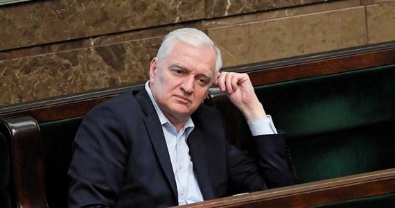 """Jesteśmy świadkami końca politycznej kariery byłego wicepremiera Jarosława Gowina - tak przynajmniej twierdzi """"Super Express""""."""