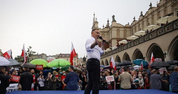 """""""Ochrona zdrowia jest w tak samo złym stanie jak 5 lat temu. Nie ma spójnego na nią pomysłu. Tymczasem prezydent, choć nie ma bezpośredniego na nią wpływu, powinien jednak interweniować w tej sprawie"""" - napisał w liście do prezydenta Andrzeja Dudy - szef Zarządu Krajowego OZZL Krzysztof Bukiel."""