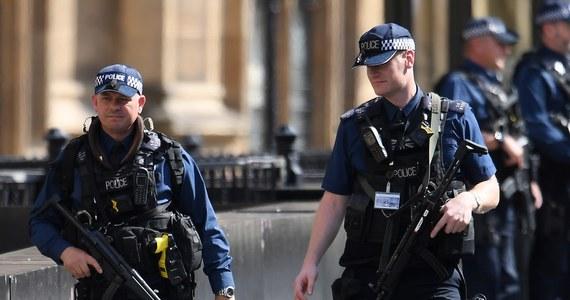 25 ataków terrorystycznych udaremnił brytyjski kontrwywiad od zamachu na Moście Westminsterskim w marcu 2017 roku, a policja i służby bezpieczeństwa pracują obecnie nad ponad 800 sprawami - ujawnił brytyjski wiceminister spraw wewnętrznych James Brokenshire.