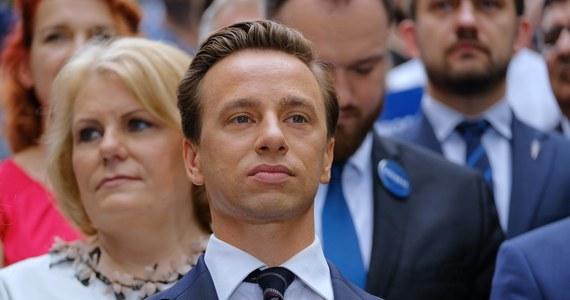 Były szef Młodzieży Wszechpolskiej, świeżo upieczony mąż, poseł na Sejm. Kim jest Krzysztof Bosak - kandydat Konfederacji w tegorocznych wyborach prezydenckich?