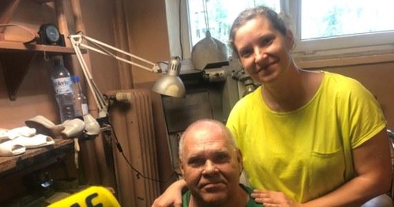 """""""Od taty nauczyłam się dokładności w pracy"""" - przyznaje w rozmowie z RMF FM pracująca –  tak jak jej ojciec –  jako szewc Joanna Nowak z krakowskiej Nowej Huty. W Dniu Ojca w Faktach RMF FM mówimy o historiach dzieci, które poszły w zawodowe ślady swoich rodziców."""