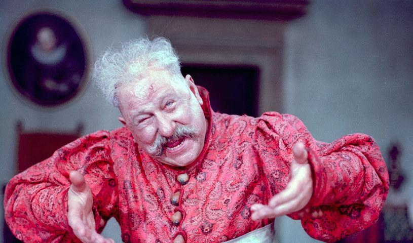 """Widzowie go uwielbiali, on kochał jeść, pić i występować. W piątek, 26 czerwca, mija 25 lat od śmierci Kazimierza Wichniarza, pamiętnego odtwórcy roli Zagłoby w """"Potopie"""" Jerzego Hoffmana."""