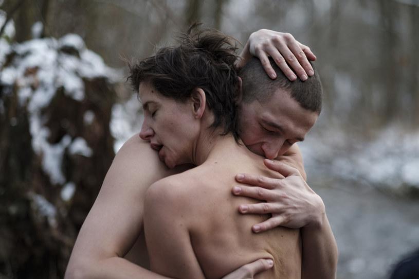 """Jesienią tego roku na platformę streamingową Netflix trafi film """"Erotica 2022"""". Będzie to pierwszy polski film wyprodukowany przez Netfliksa. Wcześniej trafiły tam dwa polskie seriale: """"1983"""" oraz """"W głębi lasu""""."""