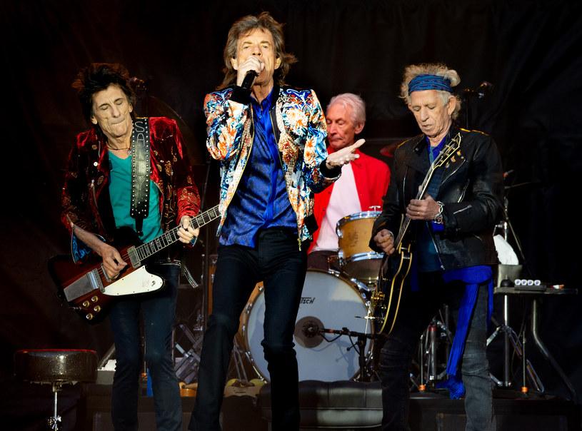 Prawnicy zespołu The Rolling Stones ostrzegli sztab Donalda Trumpa, że jeśli nadal będzie używał na swoich wiecach wyborczych piosenek tego kultowego zespołu, to sprawa trafi do sądu.