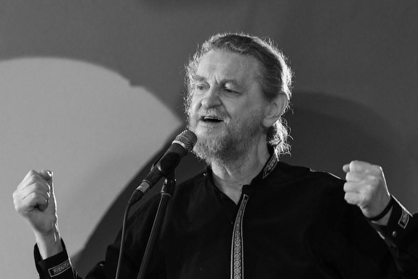 """W wieku 64 lat zmarł Piotr """"Kuba"""" Kubowicz, wokalista, aktor i kompozytor."""