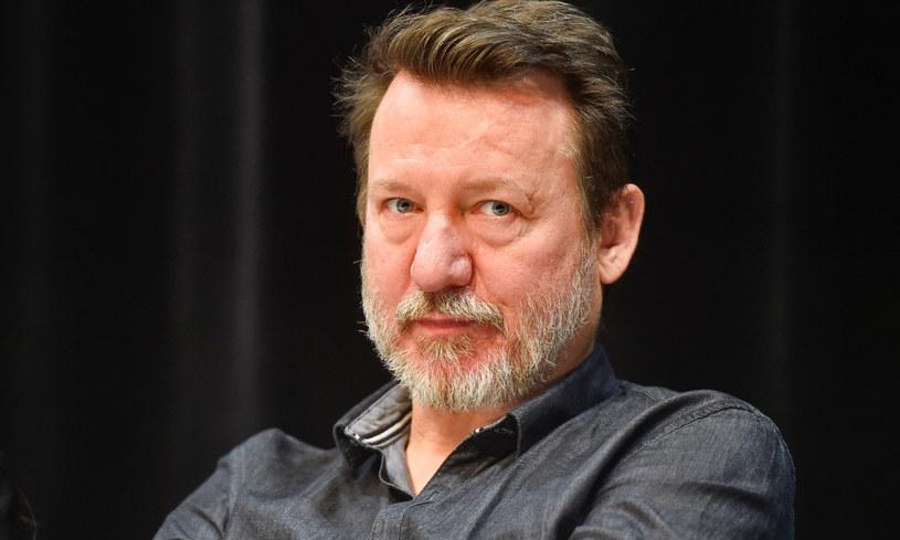 We wtorek, 30 czerwca, swoje nieokrągłe 53. urodziny obchodzi jeden z najpopularniejszych polskich aktorów - Robert Więckiewicz. Z tej okazji prezentujemy osiem filmów z jego udziałem, które warto obejrzeć.