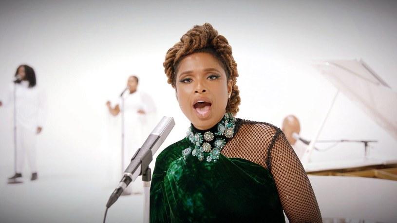 """Poświęcony artystce nazywanej """"Królową soulu"""" film biograficzny """"Respect"""" trafi do amerykańskich kin na Boże Narodzenie tego roku. W roli Arethy Franklin wystąpi w nim Jennifer Hudson. Podczas rozdania nagród BET Awards (nagrody przyznawane od 2001 roku przez amerykańską telewizję BET - Black Entertainment Television) zaprezentowany został zwiastun nadchodzącego filmu."""