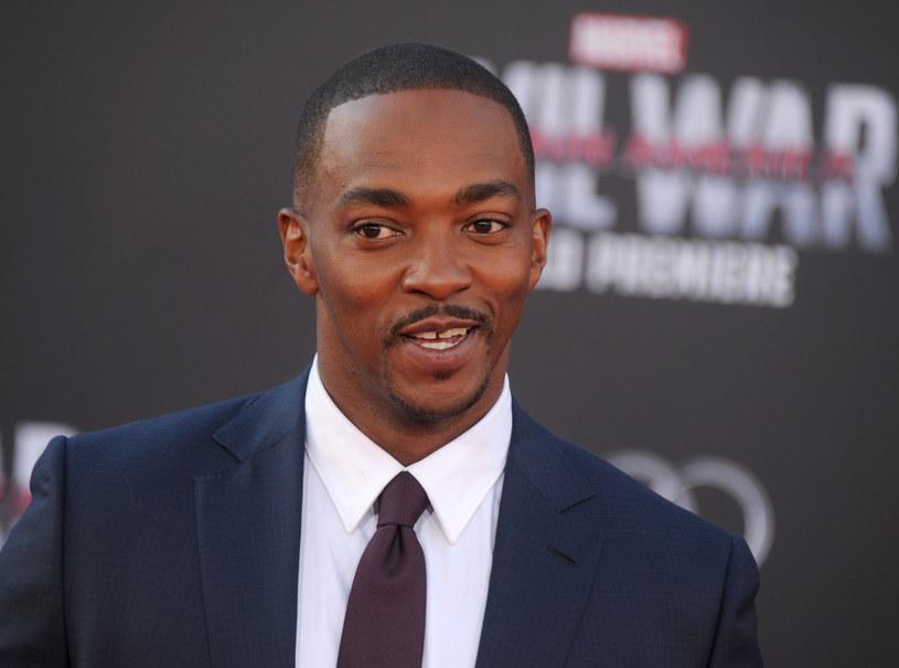 Anthony Mackie, który zagrał postać Falcona w siedmiu filmach kinowego uniwersum Marvela, postuluje, by w kolejnych produkcjach o przygodach superbohaterów było więcej czarnoskórych bohaterów.