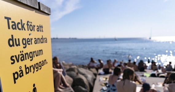 Socjaldemokratyczny premier Szwecji Stefan Loefven zaprezentował powstanie komisji ds. zbadania szwedzkiej strategii walki z koronawirusem. Gremium to ma ocenić działania władz na wielu szczeblach, a na jego czele stanie uznany sędzia.