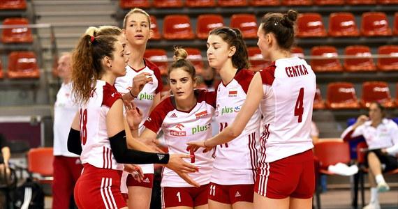 W meczu sparingowym rozegranym w Wałbrzychu polskie siatkarki pokonały Czechy 3:1 (25:14, 25:19, 25:19, 24:26). Było to pierwsze siatkarskie spotkanie rozegrane w czasie pandemii. W środę oba zespoły zmierzą się z sobą ponownie.